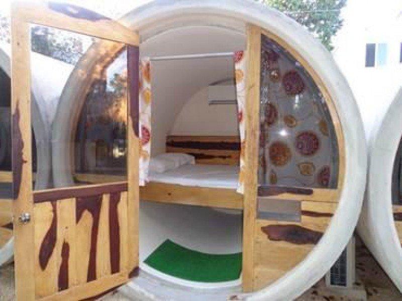 Además de las habitaciones el tubohotel dispone de una zona común para que sus clientes puedan relacionarse.