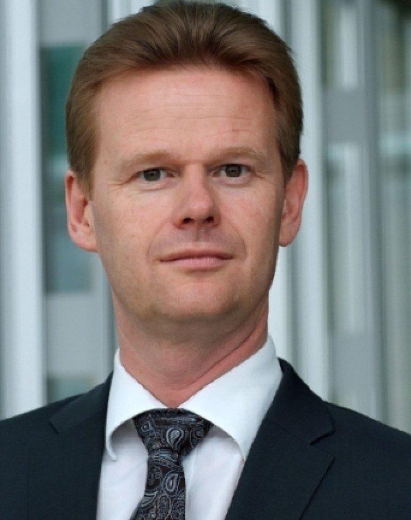 Lufthansa ha nombrado a Peter Gerber como CEO y presidente de Lufthansa Cargo .