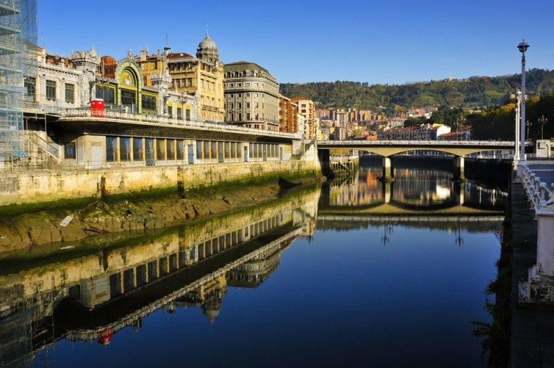 El RevPar de los hoteles de Bilbao ha bajado un 6,6% en el último año, caída sólo superada por los madrileños (-8,8%). #shu#