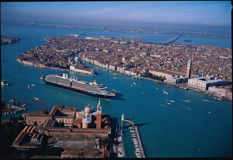 Descubre los Cruceros Premium de Holland America Line