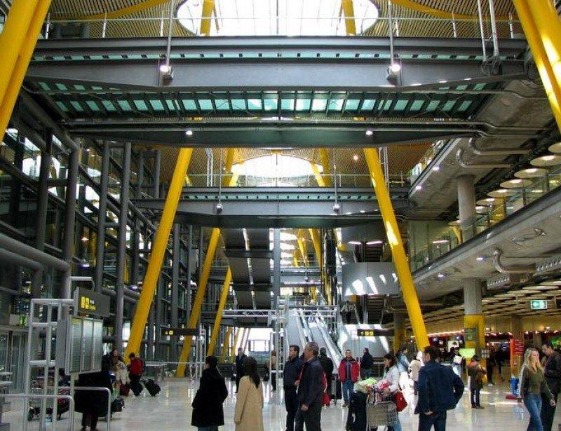 El Aeropuerto de Madrid Barajas llevará el nombre de Adolfo Suárez