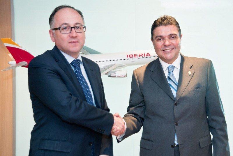 Luis Gallego se ha reunido con el Embajador de Panamá en España.