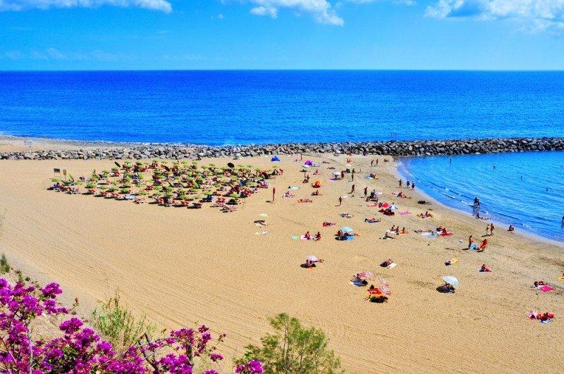 Playa de Maspalomas, en Gran Canaria, en la comunidad autónoma que lidera el gasto turístico. #shu#