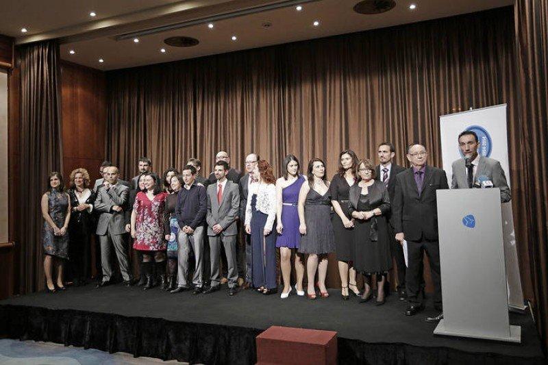 El equipo de HOSTELTUR con el editor Joaquín Molina y el director Manolo Molina. (foto: Manu Mielniezuk, Diario de Mallorca).