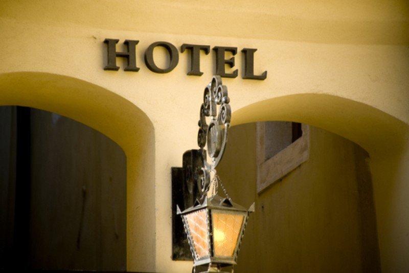 Los hoteleros han tenido que bajar las tarifas por y resignar ingresos ante la caída del movimiento. #shu#