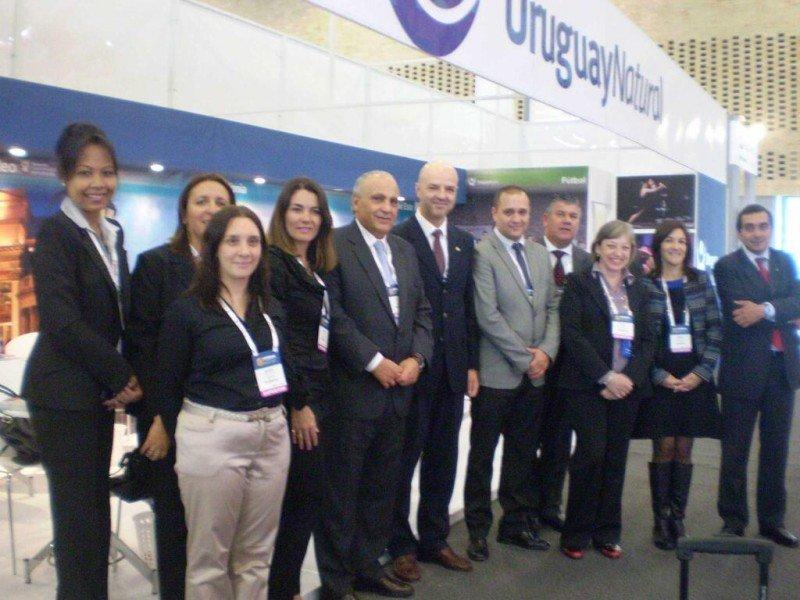 Delegación uruguaya en la XXXIII Vitrina Turística de Anato.