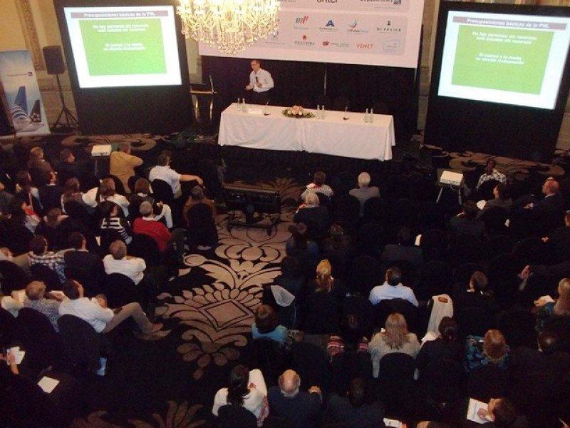 El primer congreso fue en 2013 en el hotel Sofitel Carrasco de Montevideo.