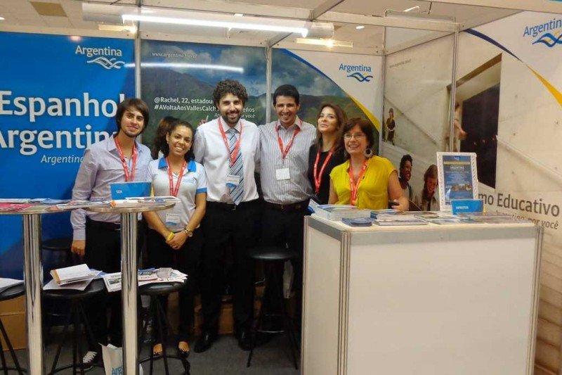 Delegación argentina que recorrió cuatro Salones del Estudiante en Brasil. Foto: Inprotur