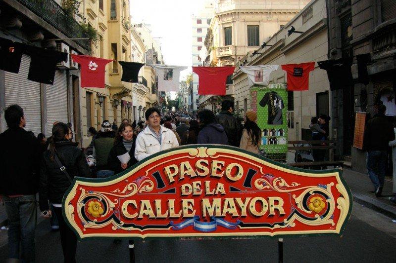 Feria de San Telmo, paseo obligado de los domingos en Buenos Aires.
