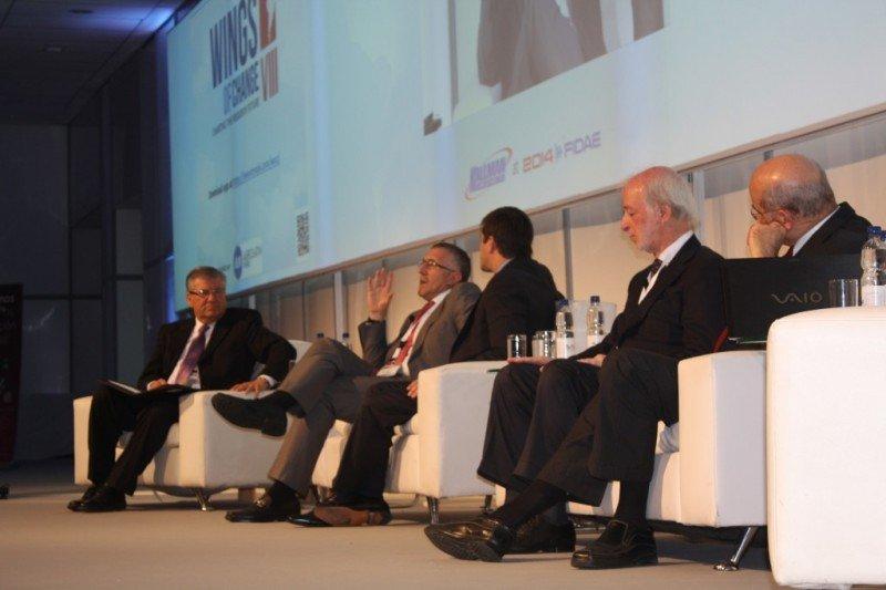 Patricio Sepúlveda, Enrique Cueto, Mariano Recalde, Juan Carlos López Mena y Germán Efromovich en el panel. Foto: Aerolatin News
