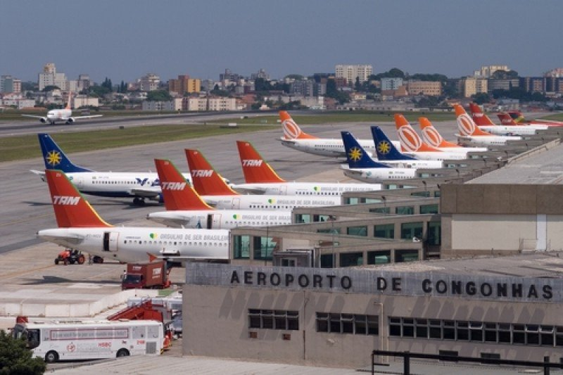 Germán Efromovich, de Avianca, alertó sobre la capacidad de los aeropuertos brasileños y las normas jurídicas que estos aplican.