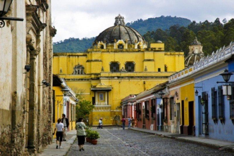 En Antigua esperan hasta 200.000 visitantes en Semana Santa. #shu#