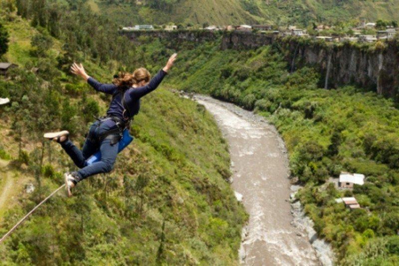 Bungee Jumping en el puente San Francisco, Baños de Agua Santa, Ecuador. #shu#