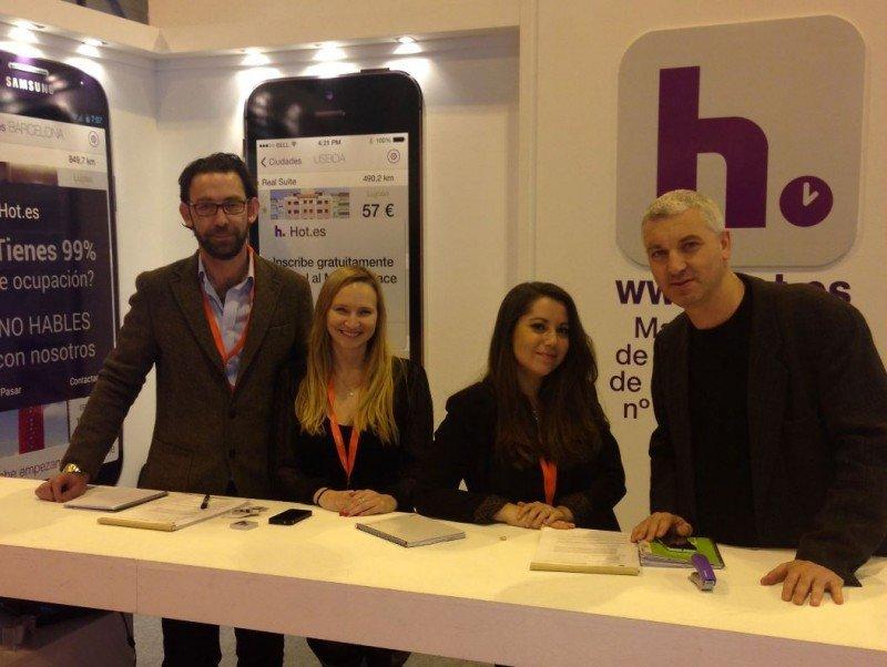 De izquierda a Derecha: Conor O'Connor, CEO Hot Hotels, Adelaida Muriel, y a la derecha Joe Haslam, responsable de Marketing. Los tres son fundadores de Hot Hotels.