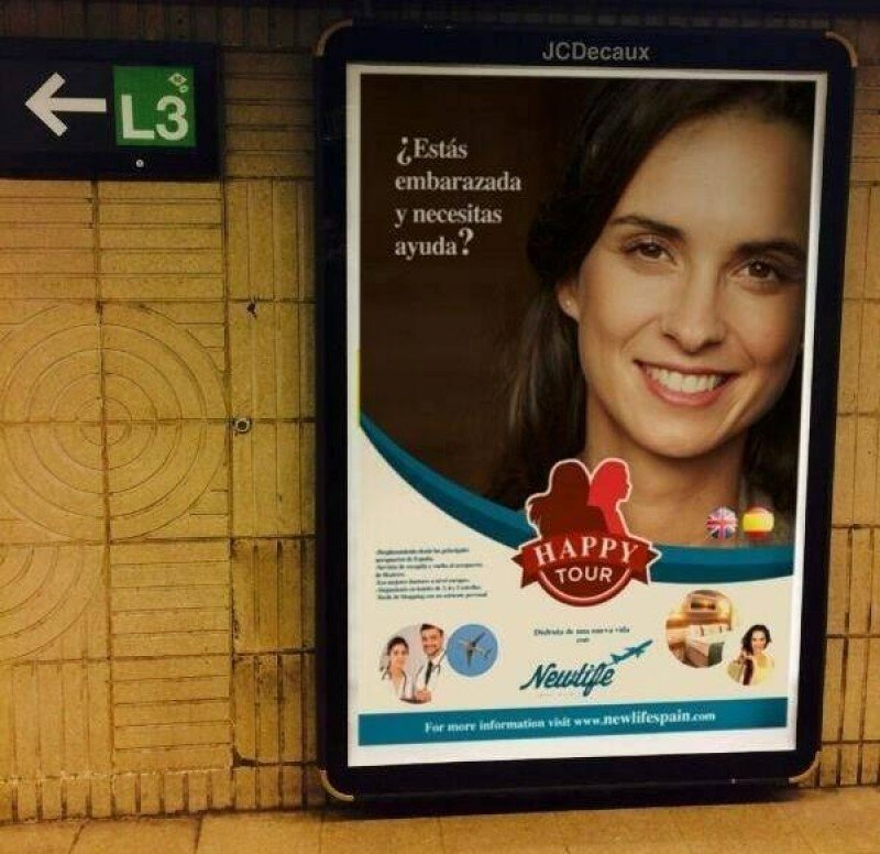 Anuncio aparecido en el metro de Barcelona.