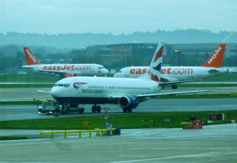 Aviones en el aeropuerto de Gatwick, Reino Unido.