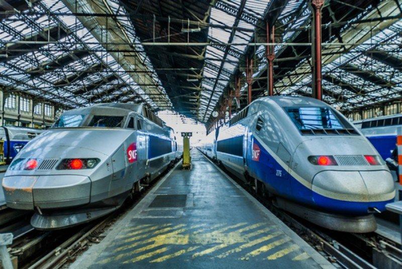 Trenes TGV franceses. #shu#