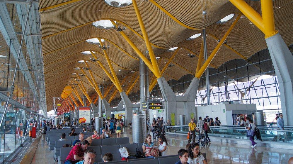 Iberia inicia nuevas rutas desde Madrid a Estocolmo, Estambul, Atenas y Amsterdam. #shu#