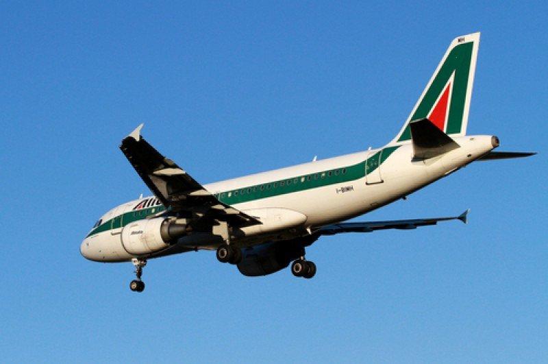 Avión de la aerolínea Alitalia. #shu#
