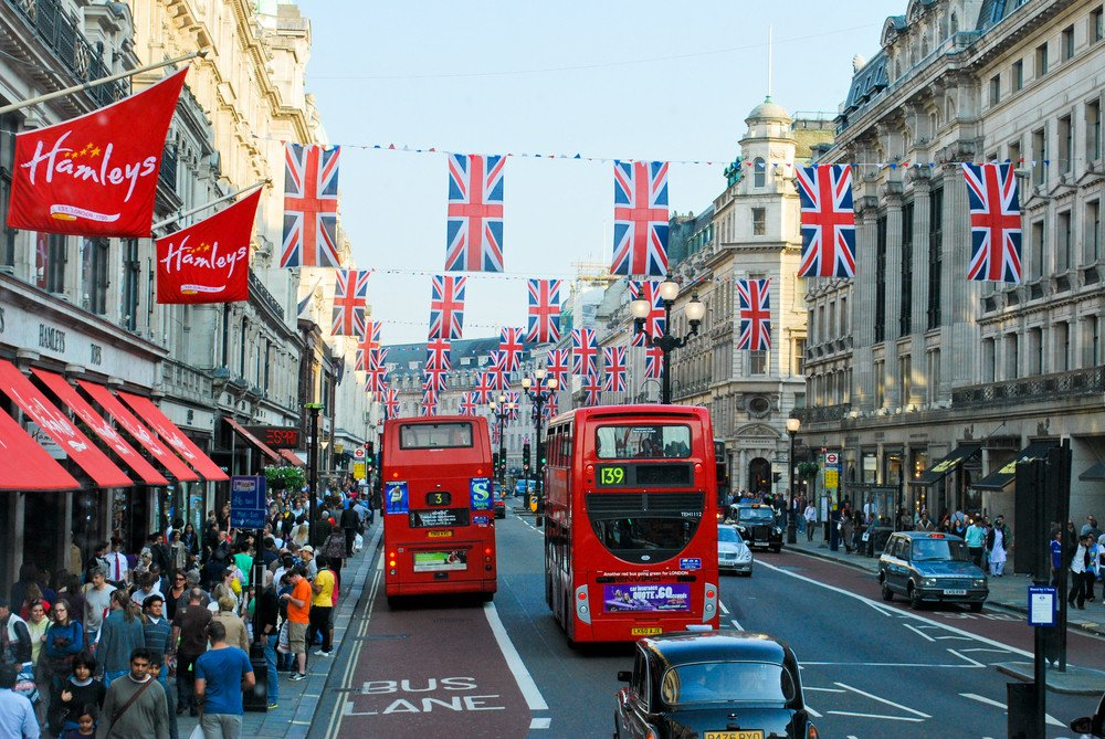 Reino Unido constituye el primer mercado emisor de turistas a España. #shu#
