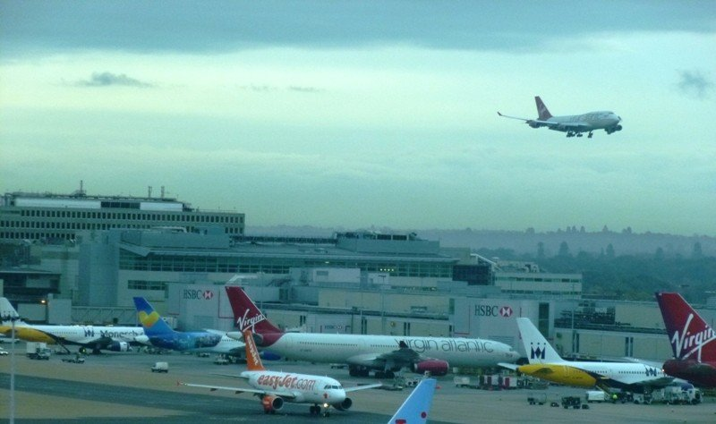Aviones en el aeropuerto de Londres Gatwick.