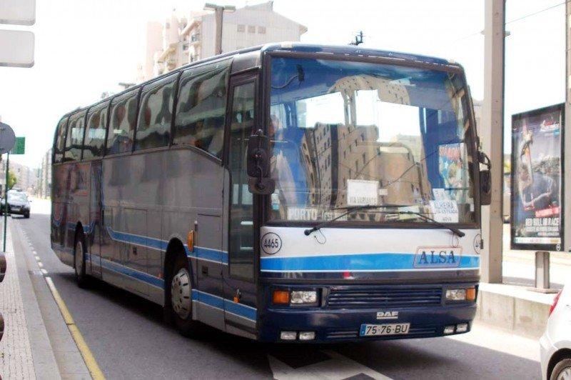 Alsa vende a través del móvil el 5% de sus billetes de autobús