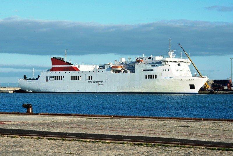 Trasmediterranea operará los servicios públicos Península-Canarias hasta 2016