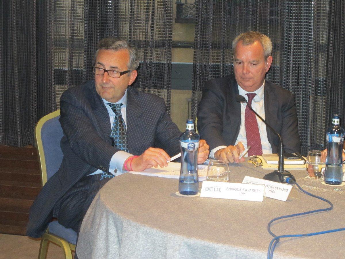 Enrique Fajarnés, del PP, a la izquierda, y Sebastián Franquis, del PSOE.