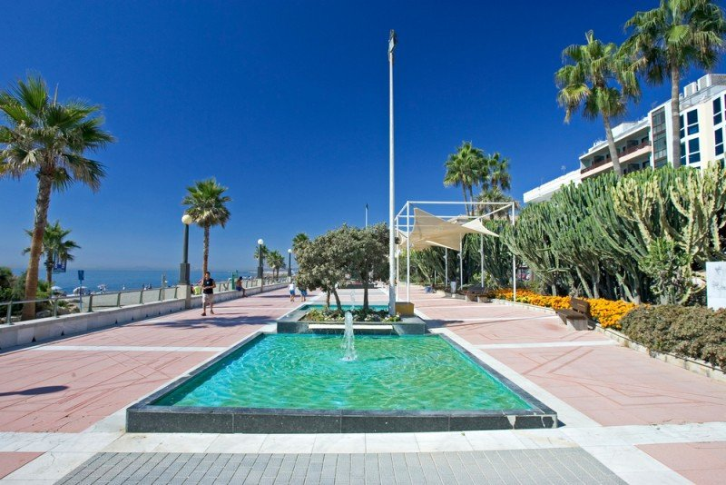 El Ayuntamiento cree que el centro de Estepona necesita más hoteles. #shu#.