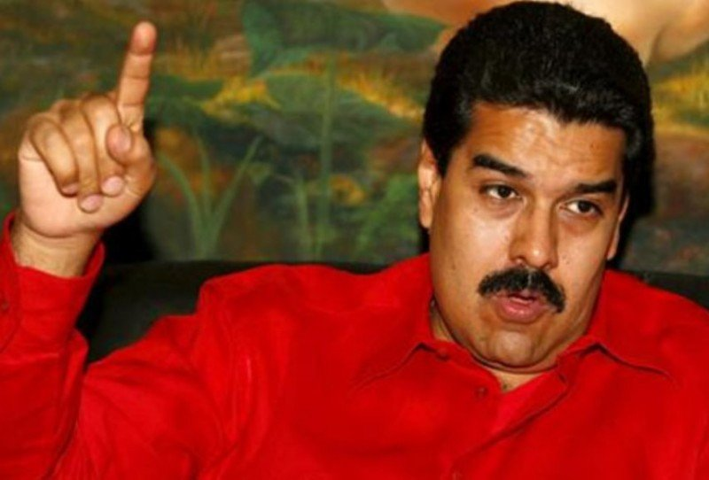Maduro debe a la industria aérea 3.900 M $ y les sube las tasas un 70%