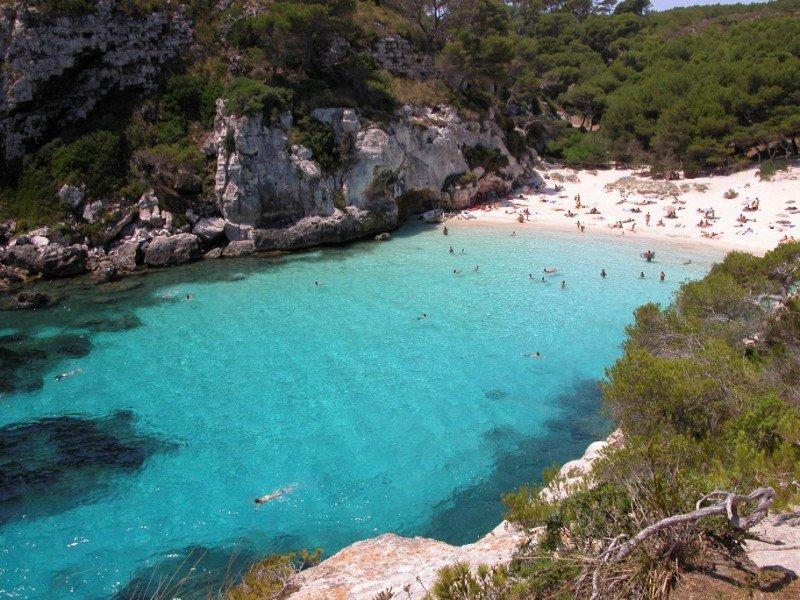Menorca, en conexión directa con Francia este verano. En la foto, la Cala en Bosch.