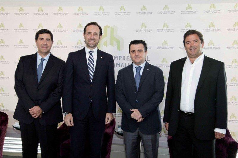 (De Izq. a Da.) Joan Vilà, José Ramón Bauzà, Aurelio Vázquez y Ovidio Andrés.