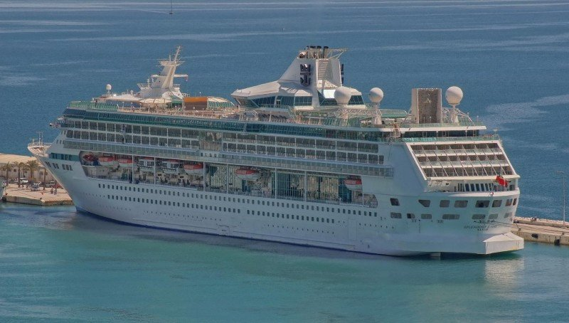 Royal Caribbean regresa a los Emiratos Árabes con el 'Splendour of the Seas'.