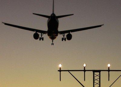Aeronáuticos se suman al paro general en Argentina