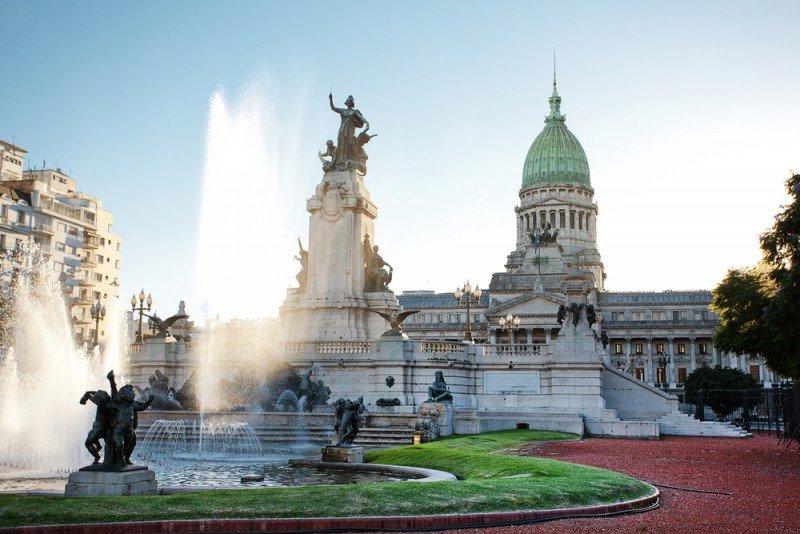 Gasto de extranjeros en Argentina cae 6,7% en febrero