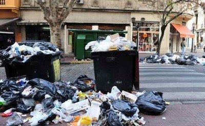 Los hoteles deberán clasificar la basura y pagar por el traslado y entierro en CEAMSE.