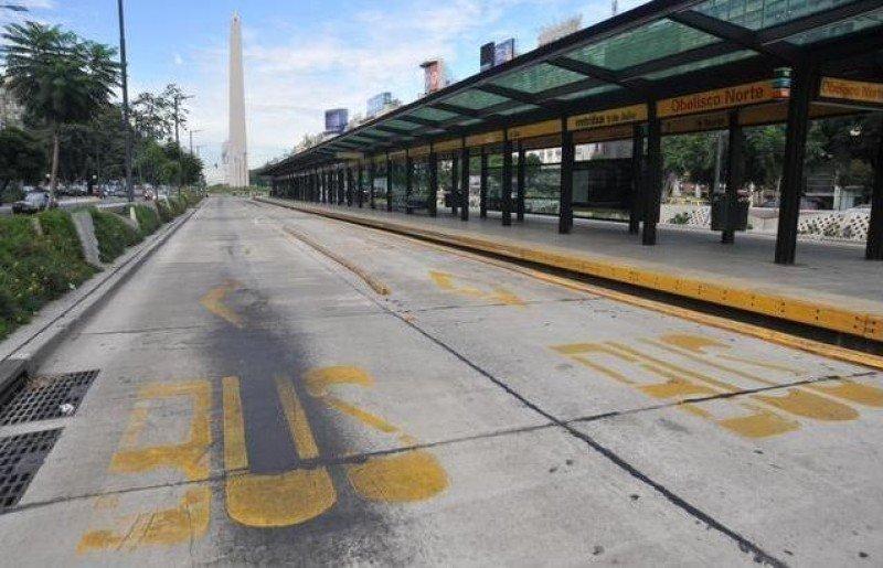 La ciudad estuvo paralizada sin transporte público. (Imagen: EFE).