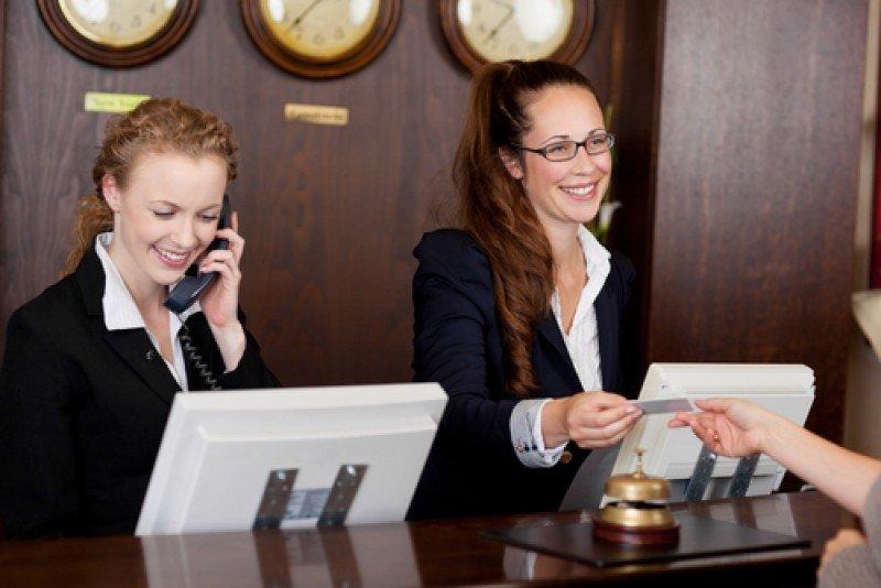 El servicio es clave para formar opiniones en los huéspedes. #shu#