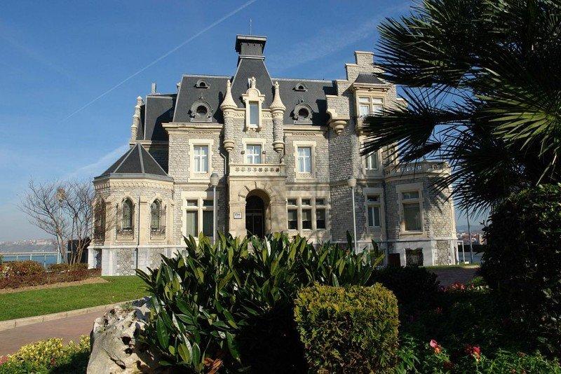El NH Palacio de Oriol pasa a denominarse hotel URH Palacio de Oriol a partir del 15 de mayo.
