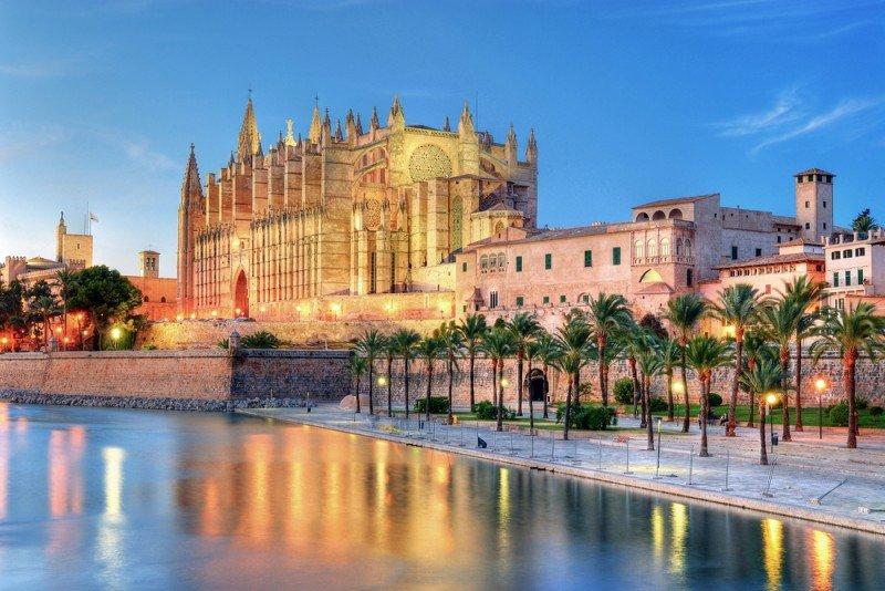 Palma de Mallorca es también, junto con Barcelona, la ciudad más cara para alojarse en un hotel. #shu#