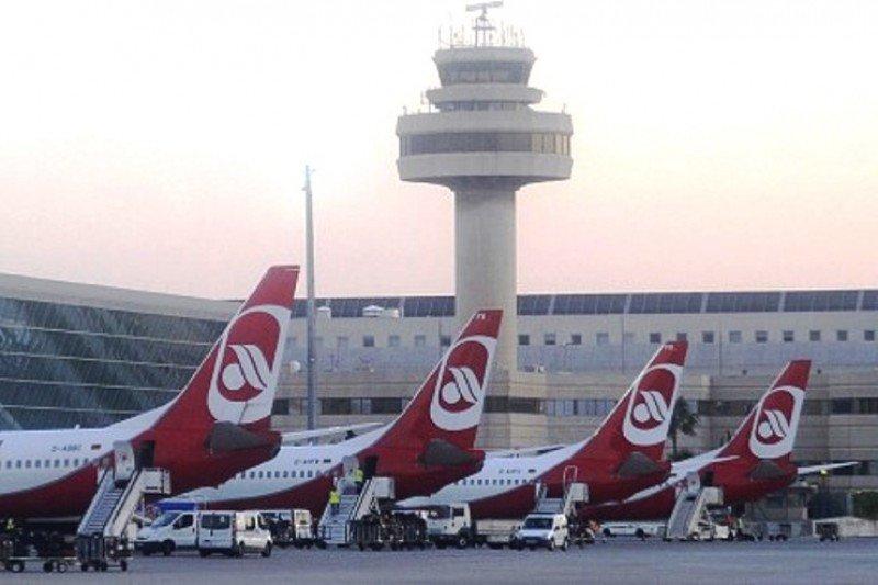 El Aeropuerto de Palma de Mallorca presenta un rércord de pasajeros en abril.