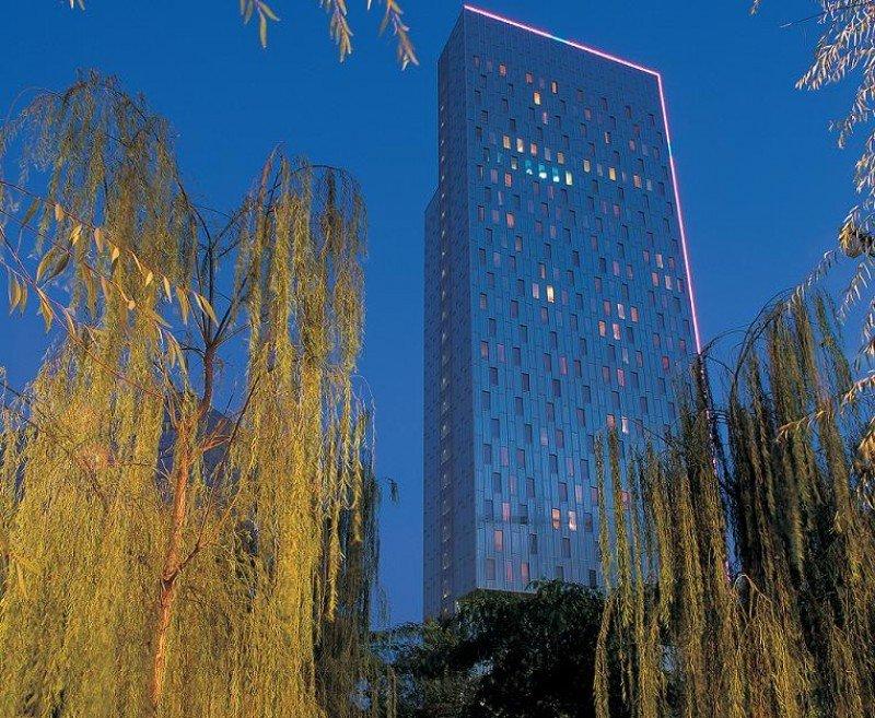 El Meliá Barcelona Sky ejemplifica el éxito de este modelo mixto de comercialización negocios-vacacional.
