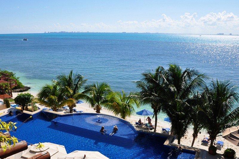Piscina del Zoëtry Villa Rolandi Isla Mujeres Cancun.