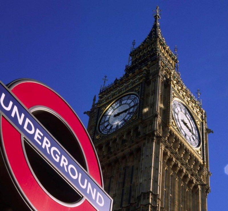 La torre del Big Ben, el principal icono turístico de Londres.