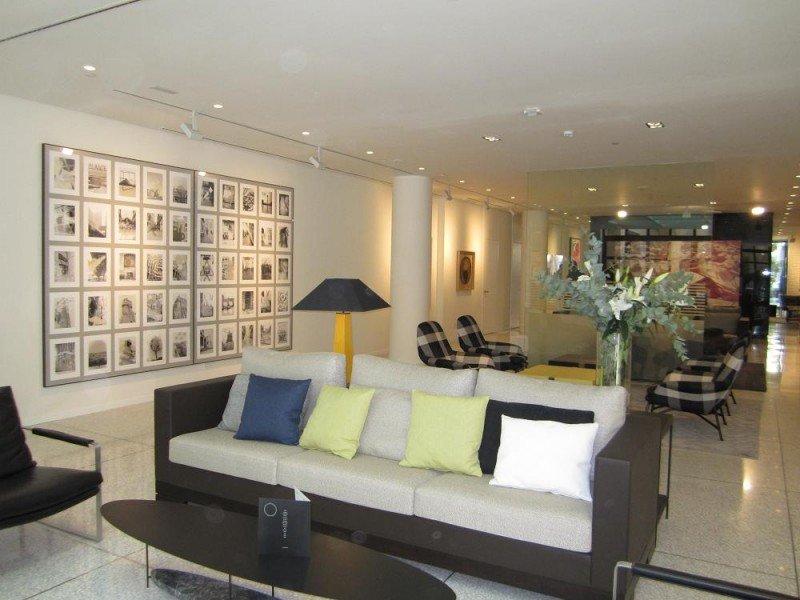 Otra imagen del lobby del H10 Art Gallery.