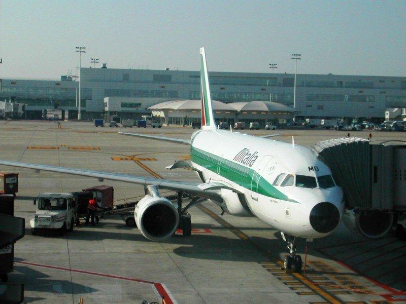 Alitalia suspende sus operaciones a Venezuela por dos