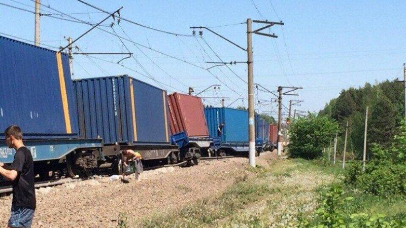 Un choque de trenes en Rusia deja al menos cinco muertos y múltiples heridos (Foto: Crédito: @RT_russian).
