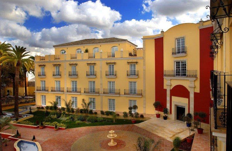 El hotel Vita Palmera Plaza, de 5 estrellas y con 52 habitaciones, consolida a la cadena como la segunda de Andalucía.