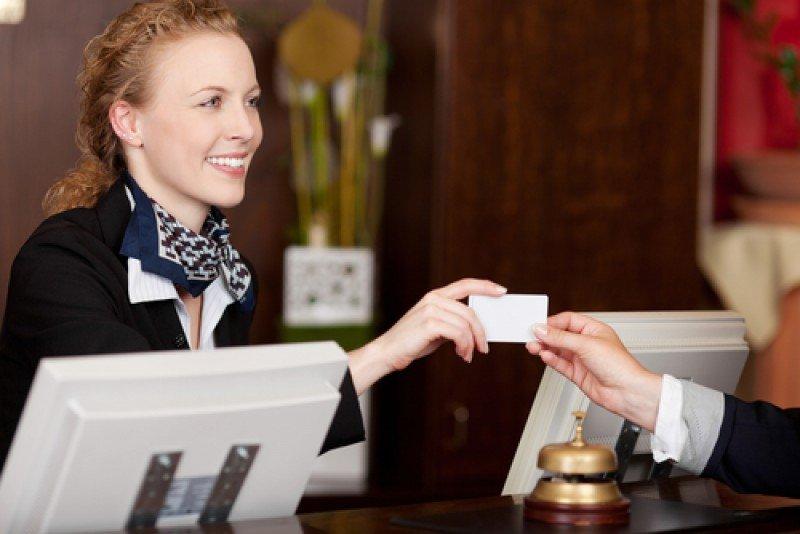 Normalmente el personal de recepción del hotel propone los upgrades a los huéspedes siguiendo la política comercial de la cadena. #shu#