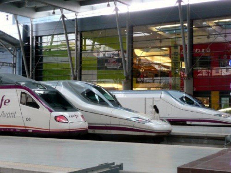 Las obras del AVE se triplican hasta abril con una inversión de 1.387,7 M €